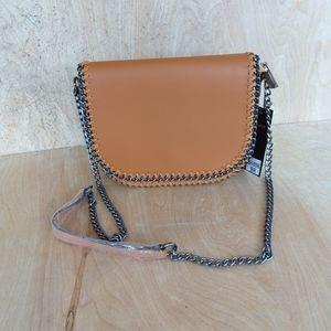 DIOPHY black chain crossbody. Saddlebag style
